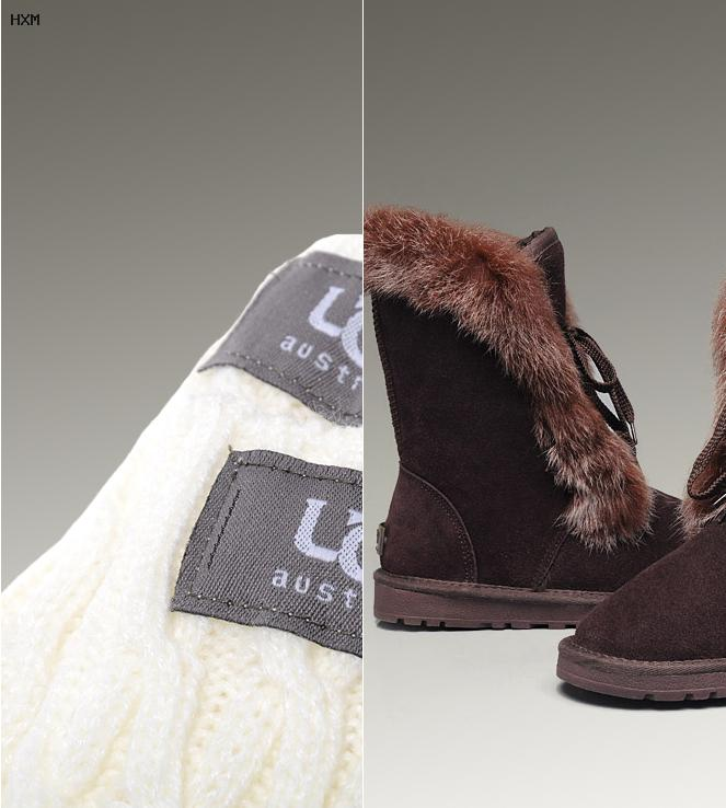 ugg classic unlined mini perf gris